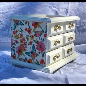 White and Floral Jewelry Box